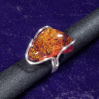 AvalonsTreasury.com: Amber Sterling Silver Ring (Page: Amber Sterling Silver Ring) [400 x 400 px]